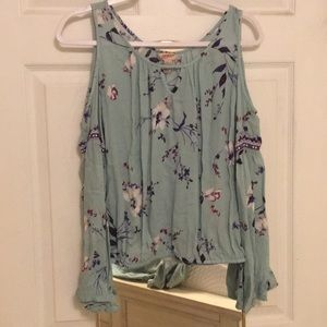 Arizona Jean Co. Blue Floral Cold Shoulder Shirt
